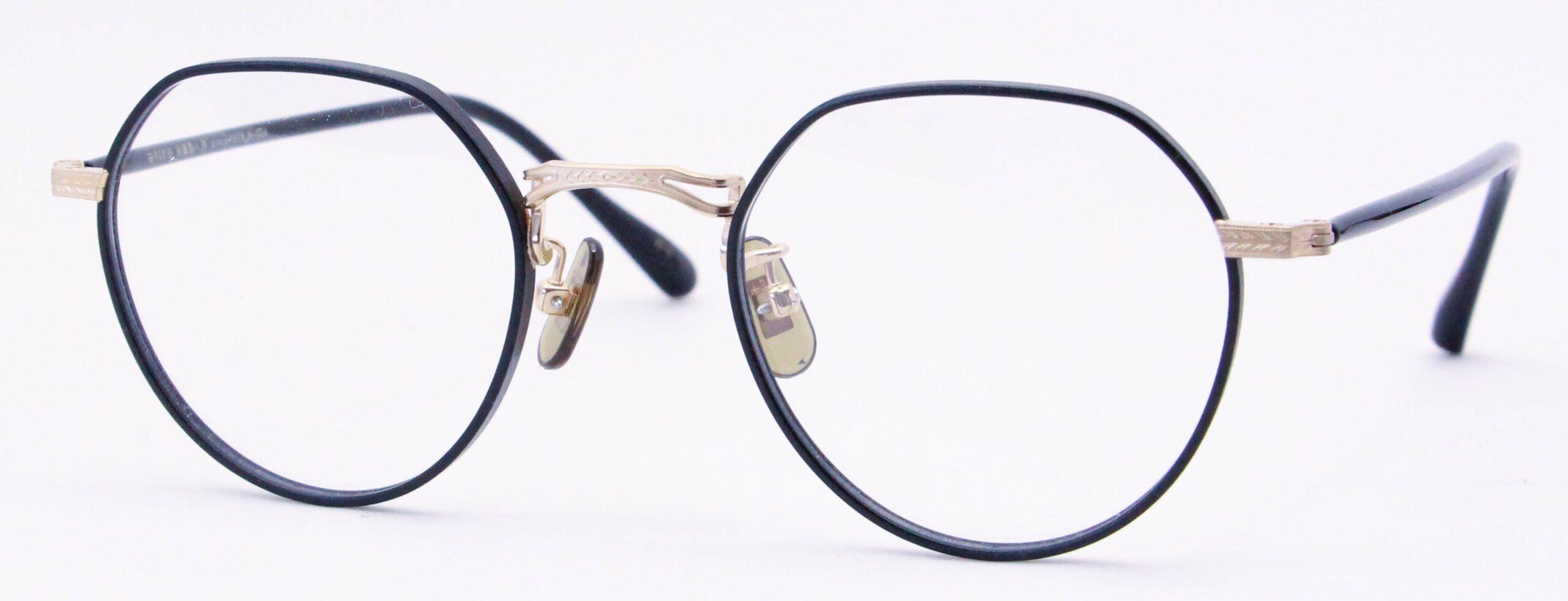 眼鏡のカラータイプC-1 Black-Matt/Gold